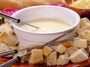 cheese swiss fondue!!!